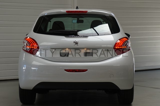 PEUGEOT 208 1.4 HDI 68CH BLANCHE